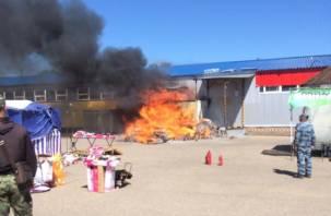В Смоленской области произошел крупный пожар в магазине