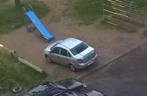 Жителям Королёвки в Смоленске катастрофически не хватает парковочных мест