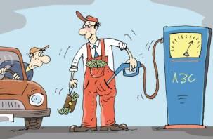 «Дорого и мало»: на АЗС «Роснефть» и «Лукойл» нашли огромный недолив бензина