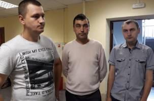 «Путин, помоги!» Жены осужденных смоленских гаишников кричат о помощи