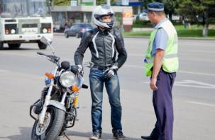Смоленские следователи занялись студентом, протащившим инспектора ГИБДД по земле