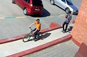 В Смоленске искали велосипедных воришек: угонщиков нашли благодаря камере