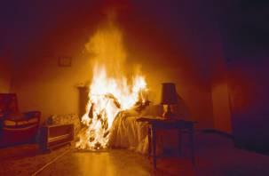 Смолянка получила ожоги в горящей квартире