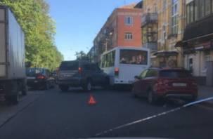 Авария собирает пробку в центре Смоленска