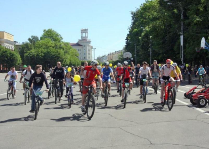 В Смоленске прошел массовый велопарад