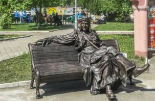 В Смоленске для Челябинска изготовили необычный памятник Бабе-Яге