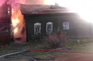 В Смоленской области при пожаре в доме пострадал человек