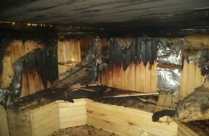 Пар оказался нелегким: смоленская баня сгорела дотла