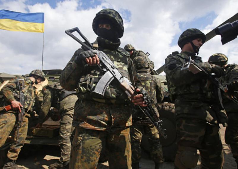 В Госдуме обеспокоены стягиванием украинских войск к границе России