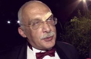 «Наложили несколько швов»: интеллектуал Александр Друзь получил по лбу