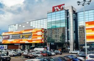 ВСмоленске работница ТРЦ «Макси» едва не погибла при выходе из трамвая