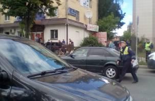 Подробности аварии со сбитыми на тротуаре людьми в Смоленске
