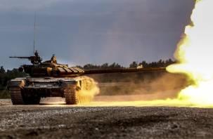 Смоленские танкисты начали стрелять из пушек