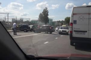 «Авария на Витебке». В Смоленске машины раскидало по проезжей части