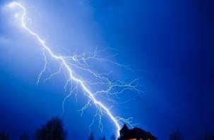 В Смоленской области молния подожгла дом