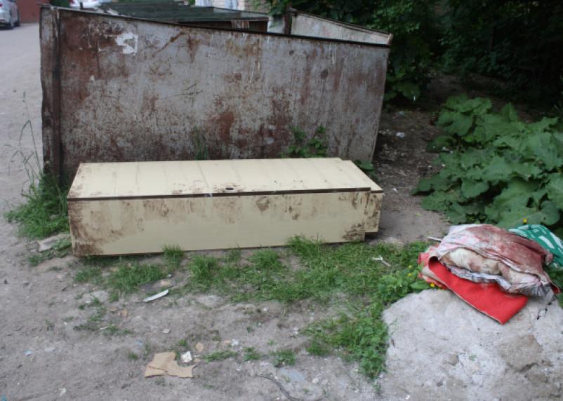 «Убила и вызвала грузчиков». Появились страшные подробности убийства смоленской пенсионерки