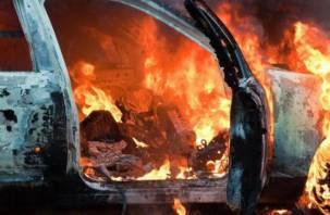 В Смоленской области ночью сгорели три автомобиля