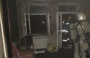 На Смоленщине мужчины едва не сгорели после ремонта в квартире