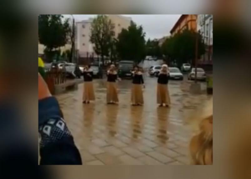 В Смоленске вместо хорошего митинга провели плохой концерт