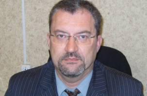 Известному смоленскому преподавателю Владимиру Карнюшину вручена профсоюзная награда