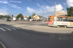 Трамваи в Заднепровье не идут:  на Кашена встретились два «француза»