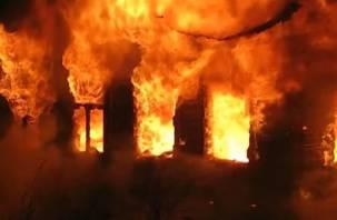 В Смоленской области этой ночью выгорел дом