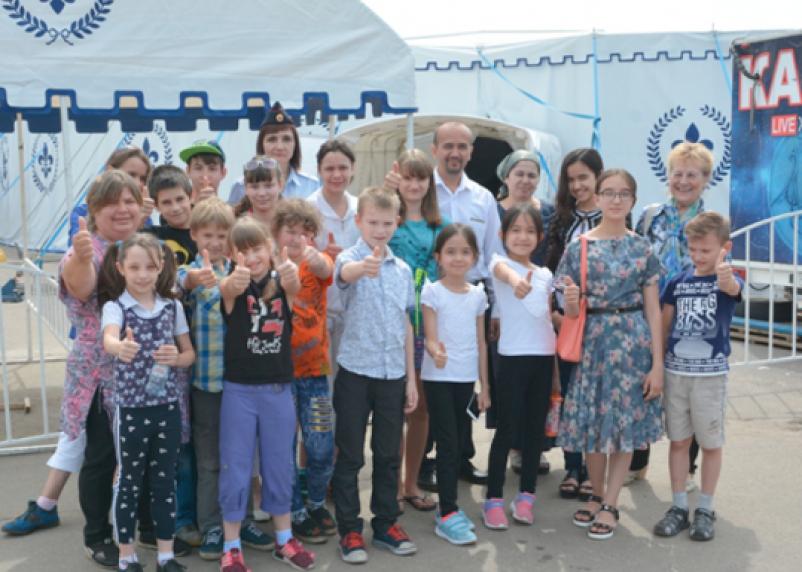Многодетная семья из Смоленской области побывала в цирке