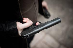 «Тело лежало, машина разбита»:  в Холм-Жирковском районе найден труп мужчины с огнестрелом