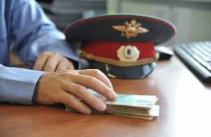 На москвича заведено уголовное дело за взятку смоленскому полицейскому