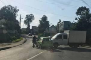 В Смоленске «мелкое ДТП» привело к серьезной пробке