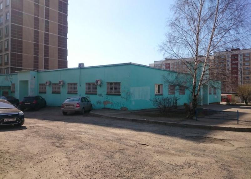 «Ад для детей и мам»: в Смоленске после потопа закрыли поликлинику