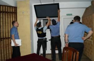 Житель Смоленска отдал долг более 40 тыс. рублей в обмен на любимый телевизор