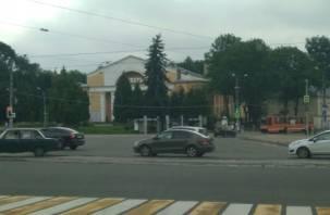 Светофоры в центре Смоленска «провоцируют» автомобилистов