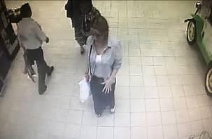 «Положила в пакет и ушла»: в смоленском гипермаркете «Линия» женщина украла чужую вещь