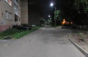 В Смоленске следствие ищет очевидцев аварии с въехавшей в дом иномаркой