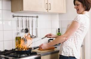 Неопытный кулинар из Смоленска напугал соседей