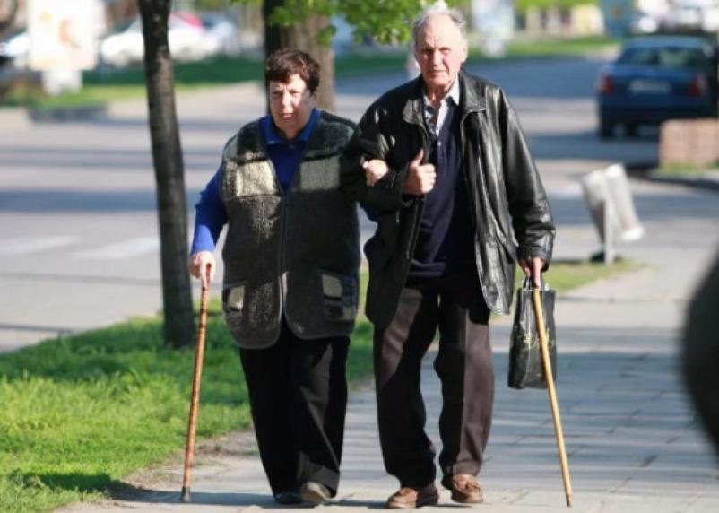 Эксперты рассказали о деградации занятости пожилых мужчин