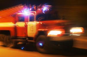 Два автомобиля и дом горели ночью 28 января в Смоленской области