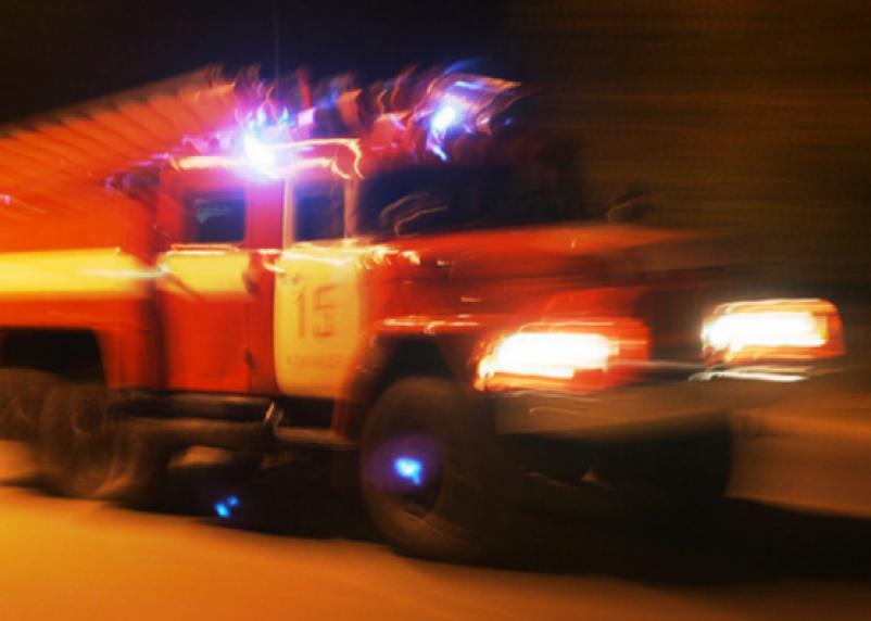 В Смоленске ночью сгорели два автомобиля