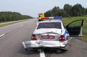 Смолянин на грузовике снес машину ГАИ в Белоруссии