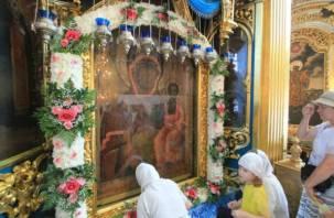 Смоляне отмечают дни иконы Божией Матери «Одигитрия»