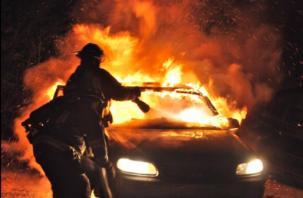 В Вязьме сгорели два автомобиля