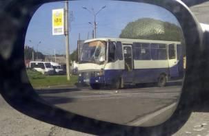 Следователи проведут проверку по факту ДТП с рейсовым автобусом в Смоленске