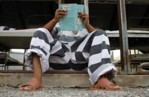 Смоленским заключенным начали рассказывать сказки