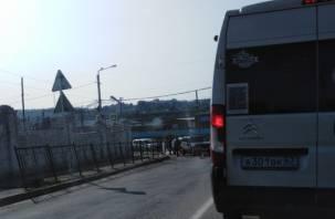 В Смоленске из-за ДТП затруднено движение в Ситники и Королевку