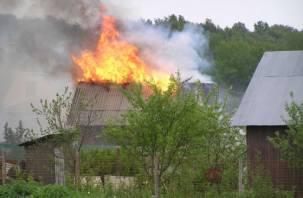 В Смоленской области огонь уничтожил жилой дом