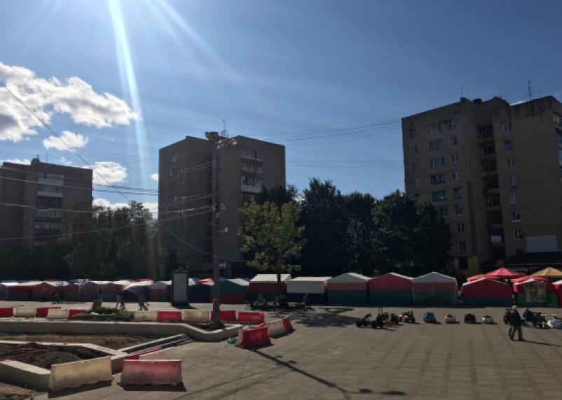 «Низкопробный базар». Смоляне продолжают жаловаться на рынок в центре города