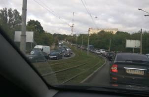 В центре Смоленска образовалась гигантская пробка