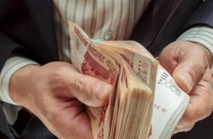 Директор смоленской фирмы полгода держал своего работника без зарплаты