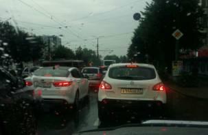 В Смоленске улица Багратиона стала в гигантской пробке